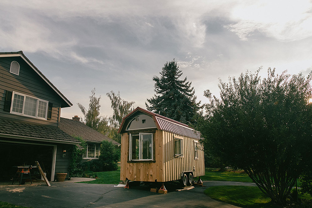 Nikki_and_mitchell_tiny_house_reno_3